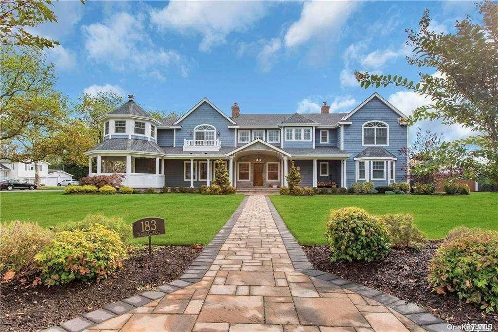 Residential for Sale at 183 Tahlulah Lane West Islip, New York 11795 United States