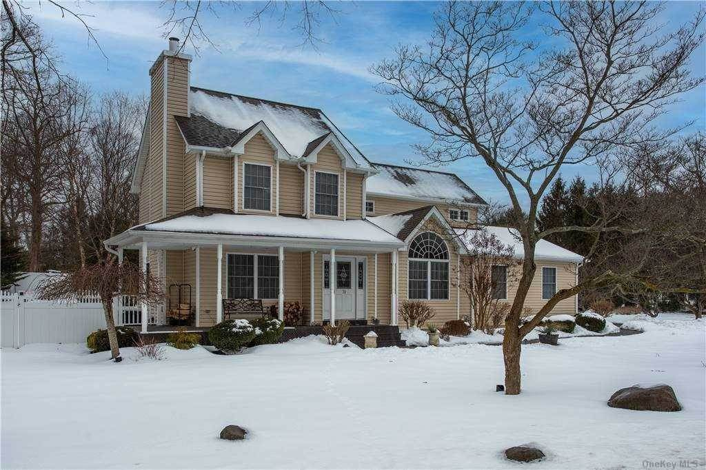 Residential for Sale at 70 Hallock Landing Road Rocky Point, New York 11778 United States