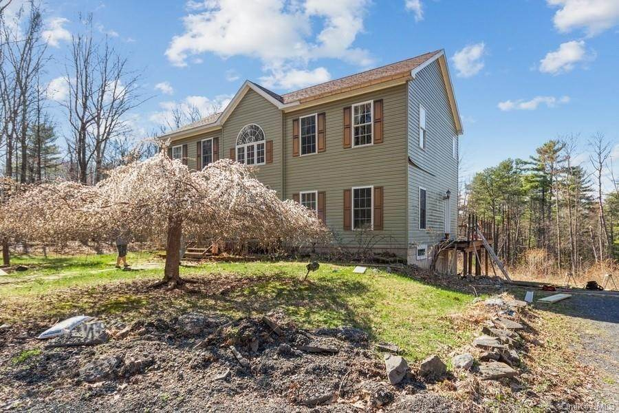 Residential for Sale at 31 Laurel Hollow Kerhonkson, New York 12446 United States