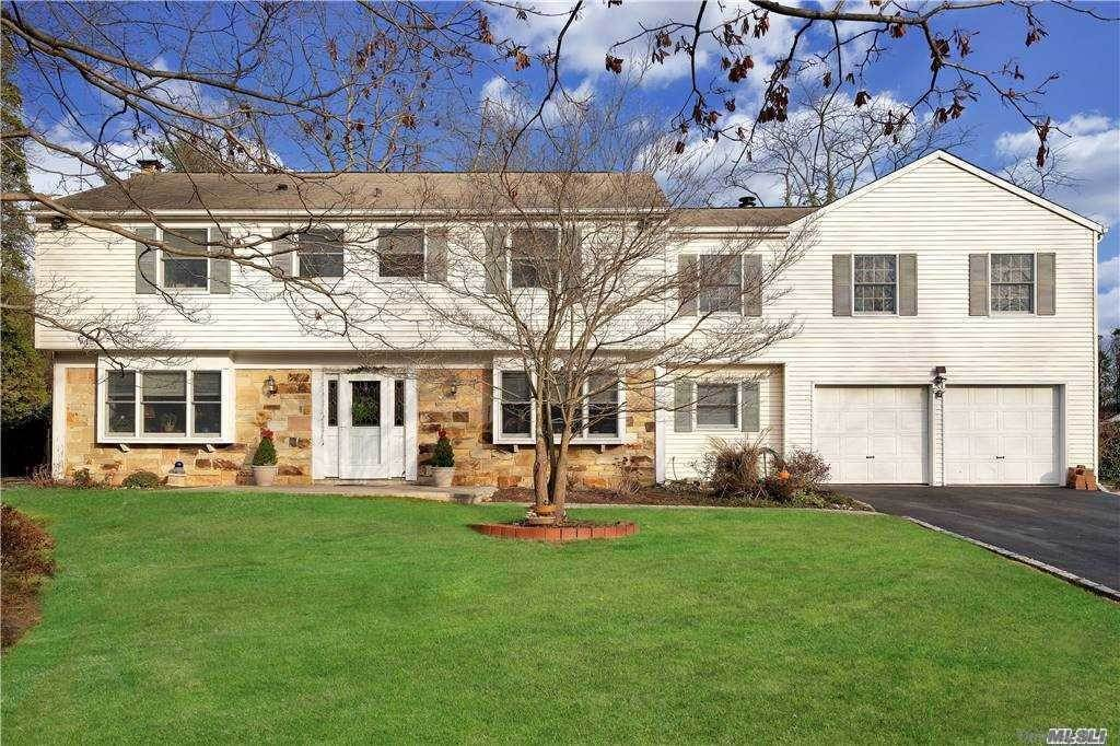 Residential for Sale at 7 Fox Hollow Road, E. Setauket, NY 11733 East Setauket, New York 11733 United States