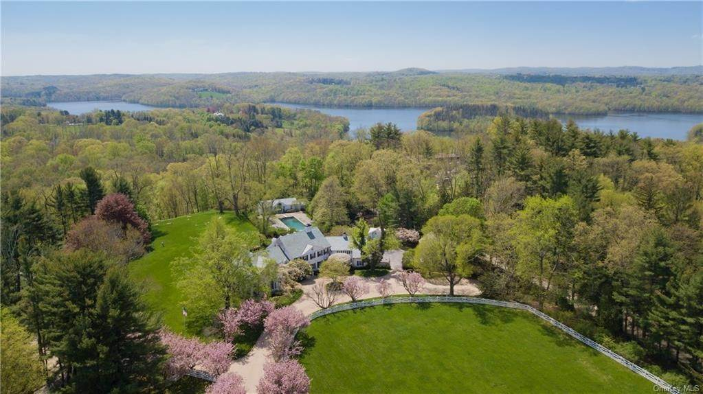 Residential for Sale at 55 Holly Branch Road Katonah, New York 10536 United States