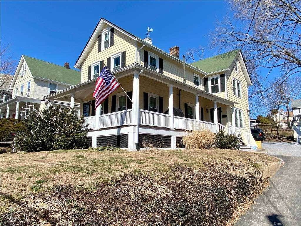 Residential Lease at 28 Tooker Avenue # 2, Oyster Bay, NY 11771 Oyster Bay, New York 11771 United States