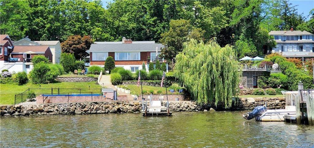 Residential for Sale at 5 Edgewater Lane Nyack, New York 10960 United States