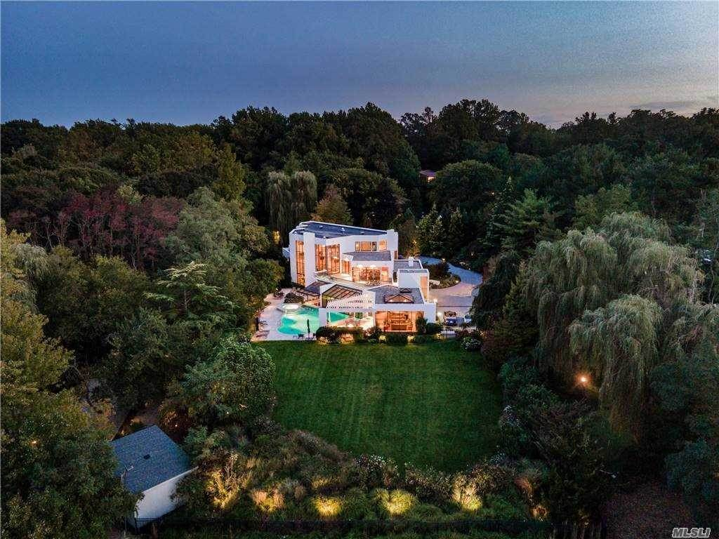 Residential for Sale at 22 Longwood Road Sands Point, New York 11050 United States