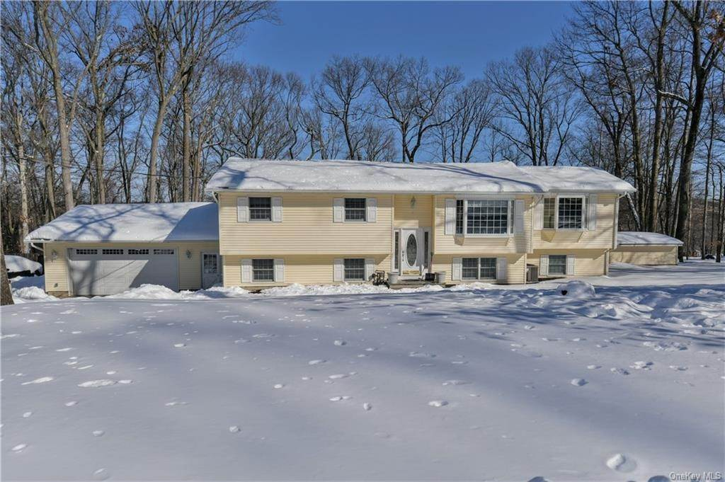 Residential for Sale at 8 Adams Lane, Ramapo, NY 10901 Airmont, New York 10901 United States
