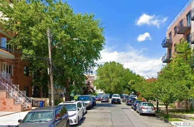 Residential Income for Sale at 71-44 160th Street, Fresh Meadows, NY 11365 Fresh Meadows, New York 11365 United States