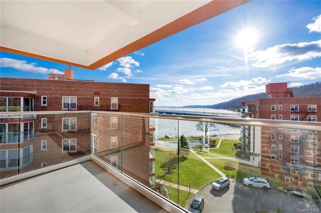Residential for Sale at 2 Salisbury Place # 5E, Orangetown, NY 10960 Nyack, New York 10960 United States