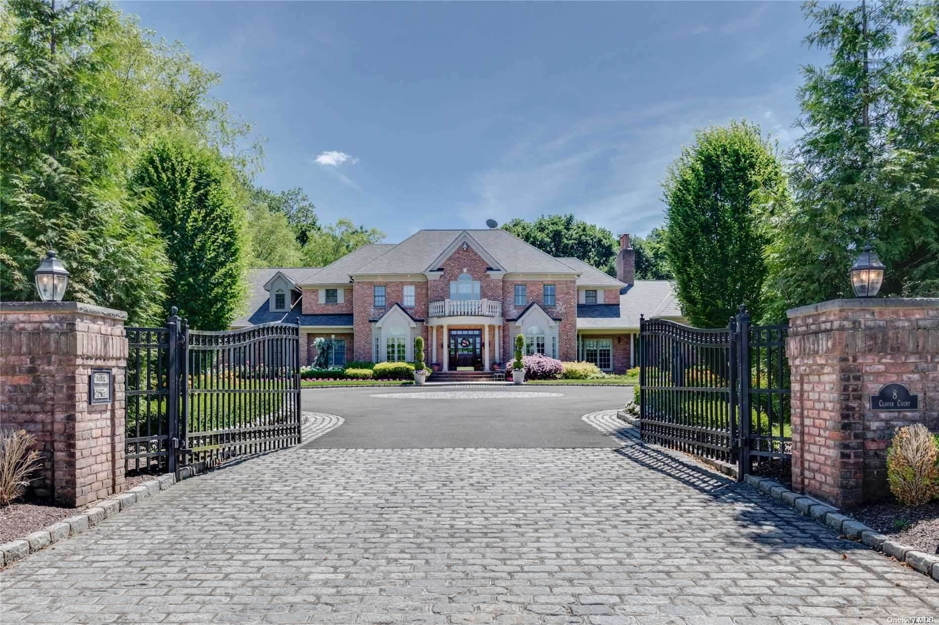 Residential for Sale at 8 Clover Court, Muttontown, NY 11732 Muttontown, New York 11732 United States