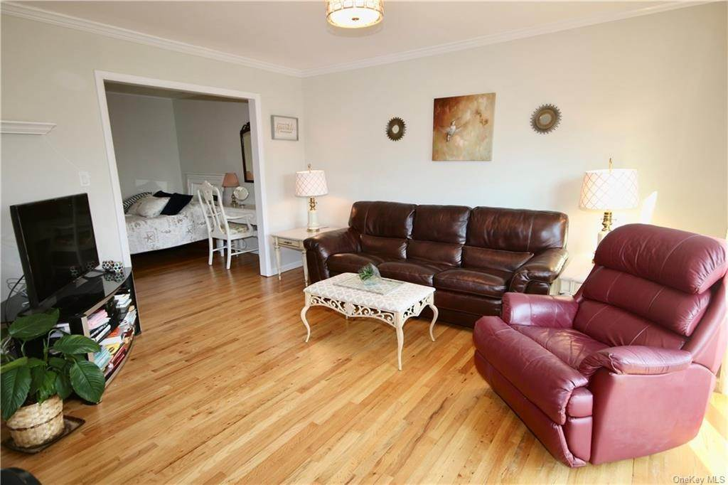 Residential for Sale at 2 Germonds # 12 Bardonia, New York 10954 United States
