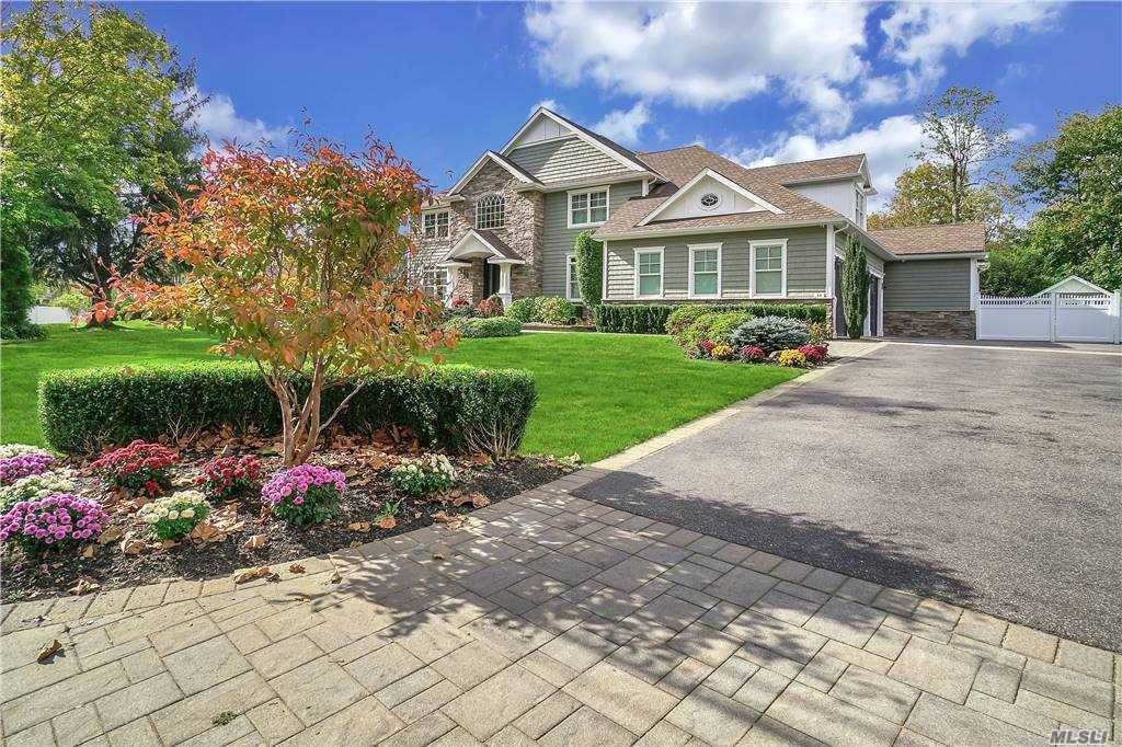 Residential for Sale at 34 Maridon Lane, Commack, NY 11725 Commack, New York 11725 United States