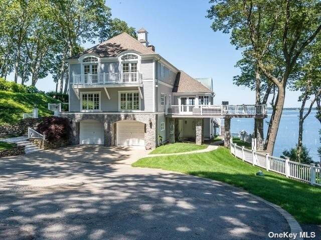 Residential for Sale at 14 Lloydhaven Drive Lloyd Harbor, New York 11743 United States
