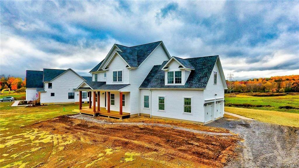Residential for Sale at 32 Vintner's Way, Warwick, NY 10990 Warwick, New York 10990 United States