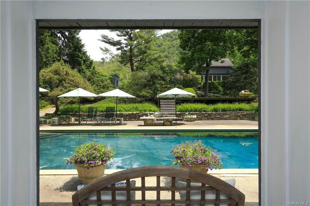 Residential for Sale at 801 Route 9D Garrison, New York 10524 United States