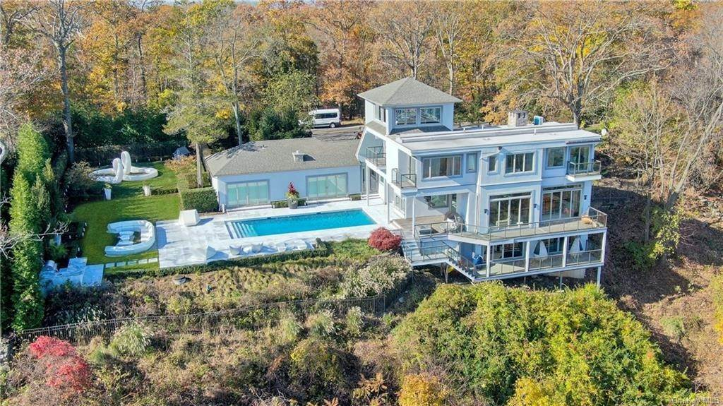 Residential for Sale at 7 Tweed Boulevard Upper Grandview, New York 10960 United States