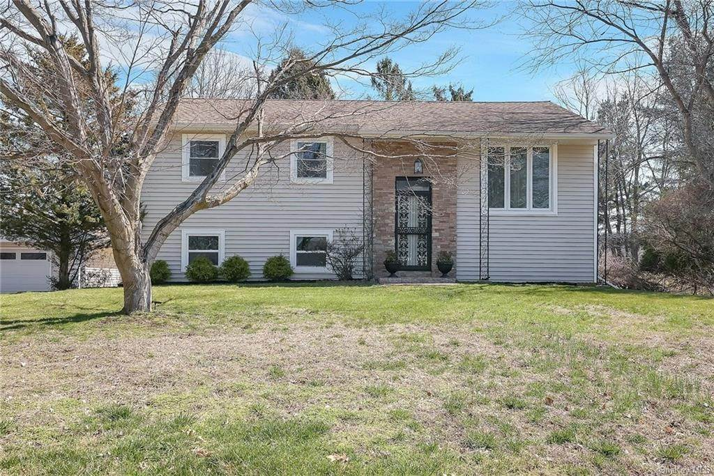Residential for Sale at 342 Fulle Drive Valley Cottage, New York 10989 United States