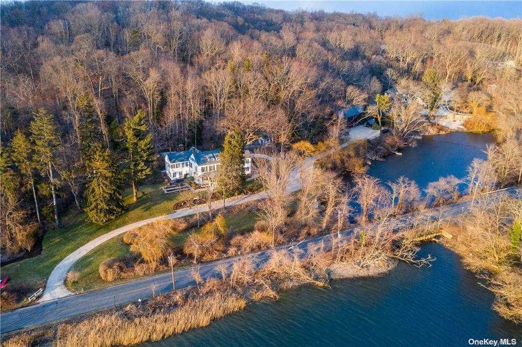 Residential for Sale at 40 Shore Road, Cold Spring Hrbr, NY 11724 Cold Spring Harbor, New York 11724 United States