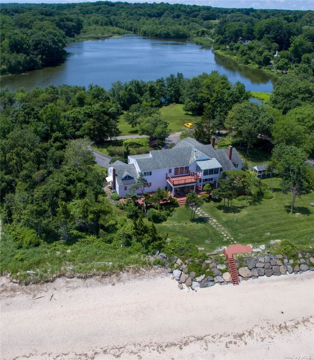 Residential for Sale at 3 Sea Shell Lane Fort Salonga, New York 11768 United States