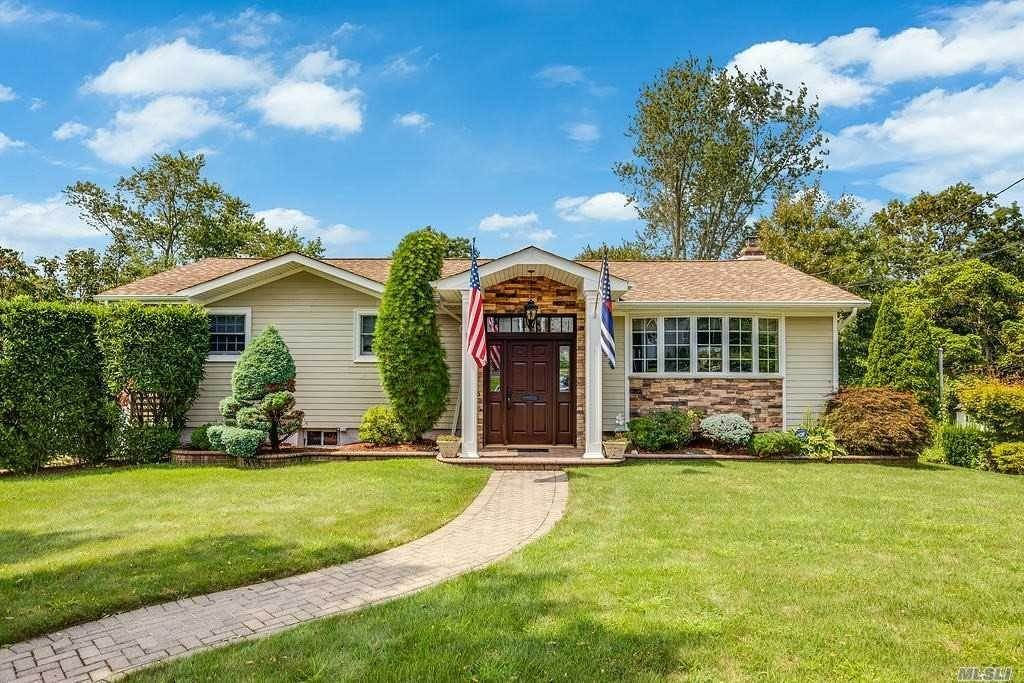 Residential for Sale at 19 Manchester Drive Bethpage, New York 11714 United States