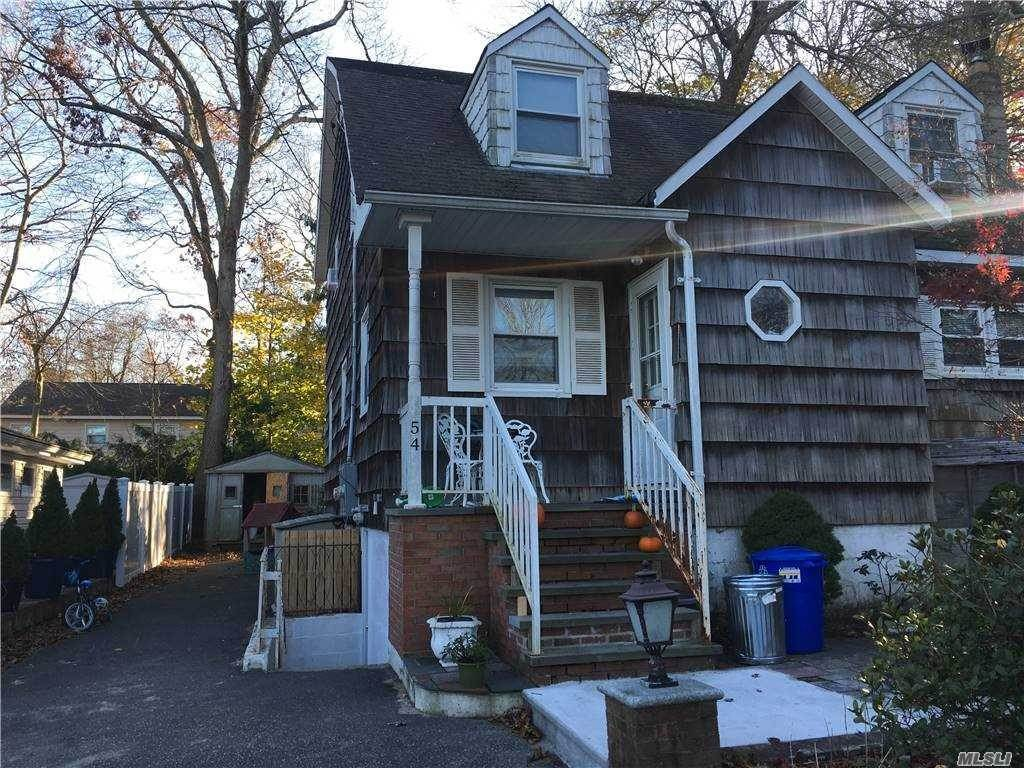 Residential Lease الساعة 54 Dorchester Street # 2, Huntington Sta, NY 11746 Huntington Station, New York 11746 United States