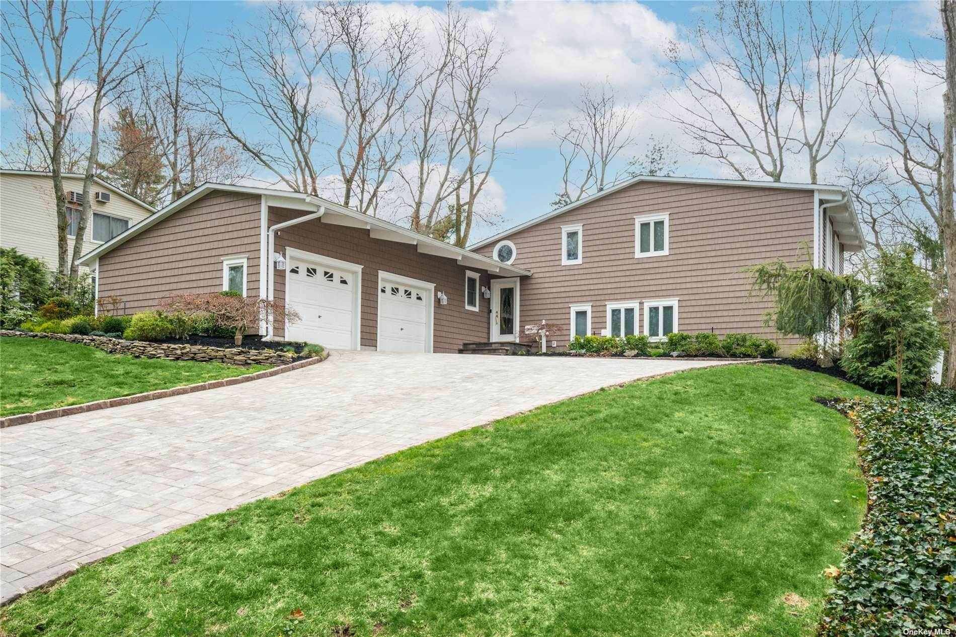 Residential for Sale at 7 Sagamore Road East Norwich, New York 11732 United States
