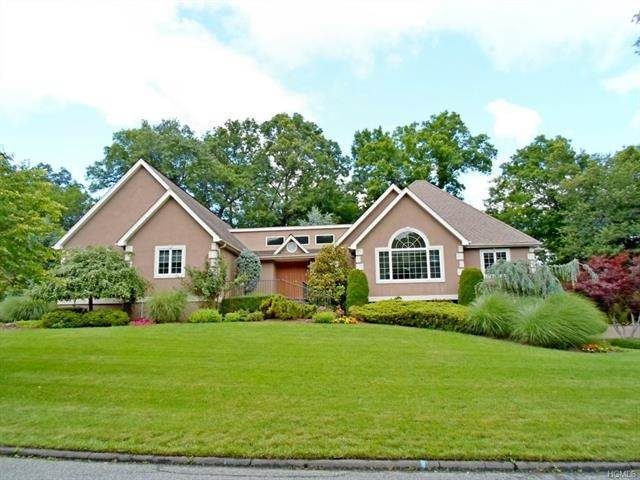 Single Family Homes at 2 Still Pond Terrace, Clarkstown NY 10994 Clarkstown, New York 10994 United States