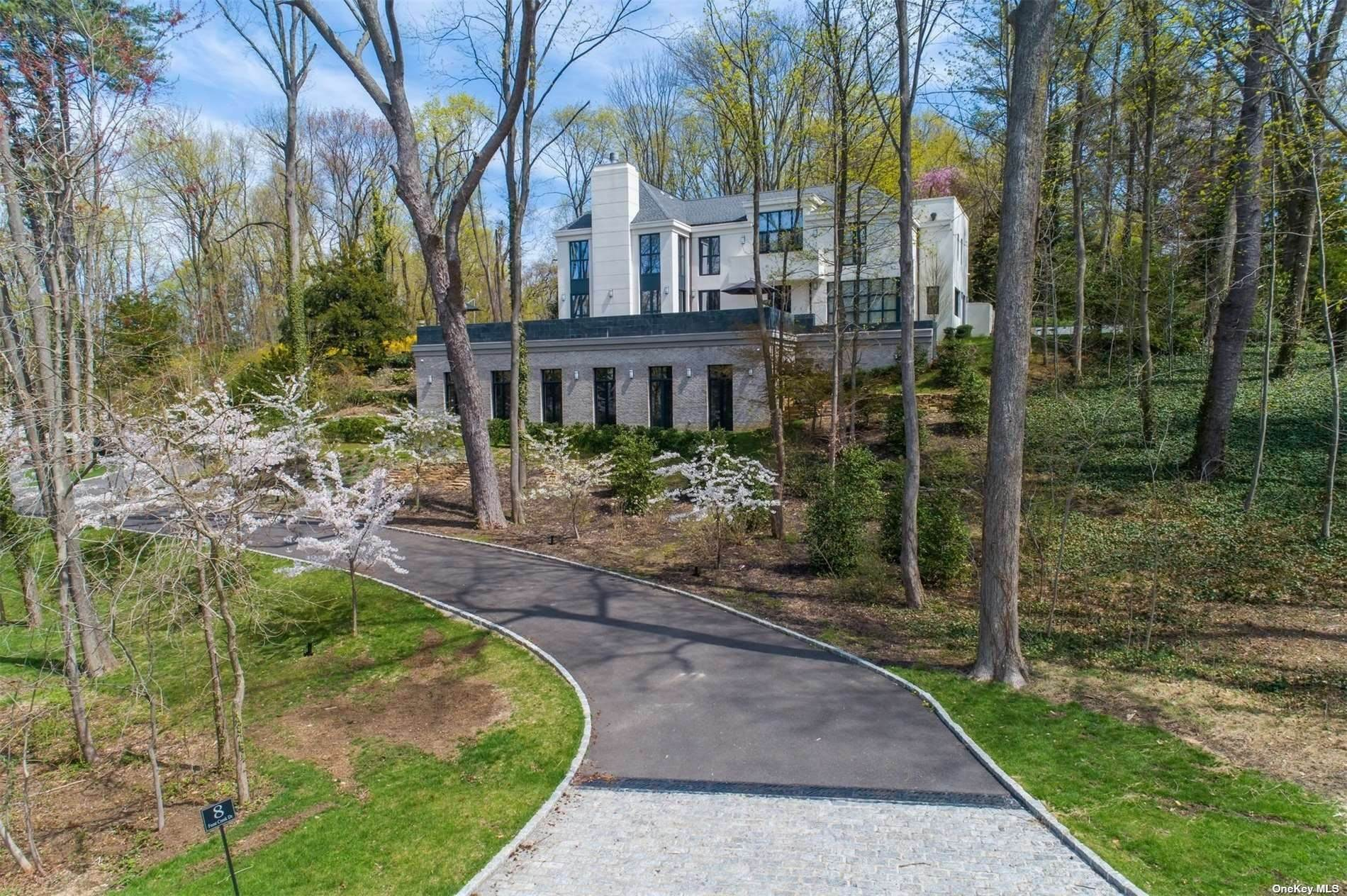 Residential for Sale at 9 Winding Way Locust Valley, New York 11560 United States