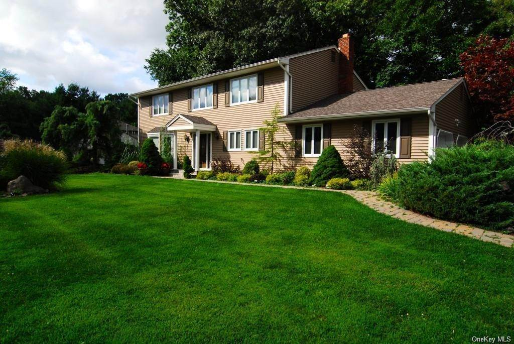 Residential for Sale at 411 White Oak Road Palisades, New York 10964 United States