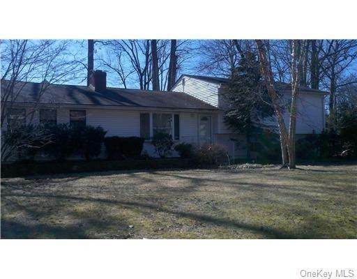 Residential for Sale at 12 Stoneham Lane New City, New York 10956 United States