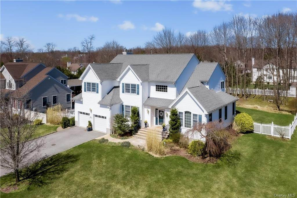 Residential for Sale at 4 Tanna Hill Court Baldwin Place, New York 10505 United States