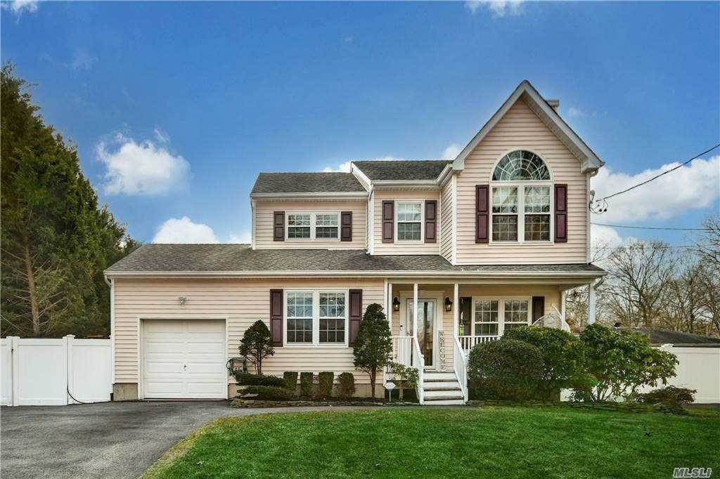 Residential for Sale at 10 Moriches Avenue Mastic, New York 11950 United States