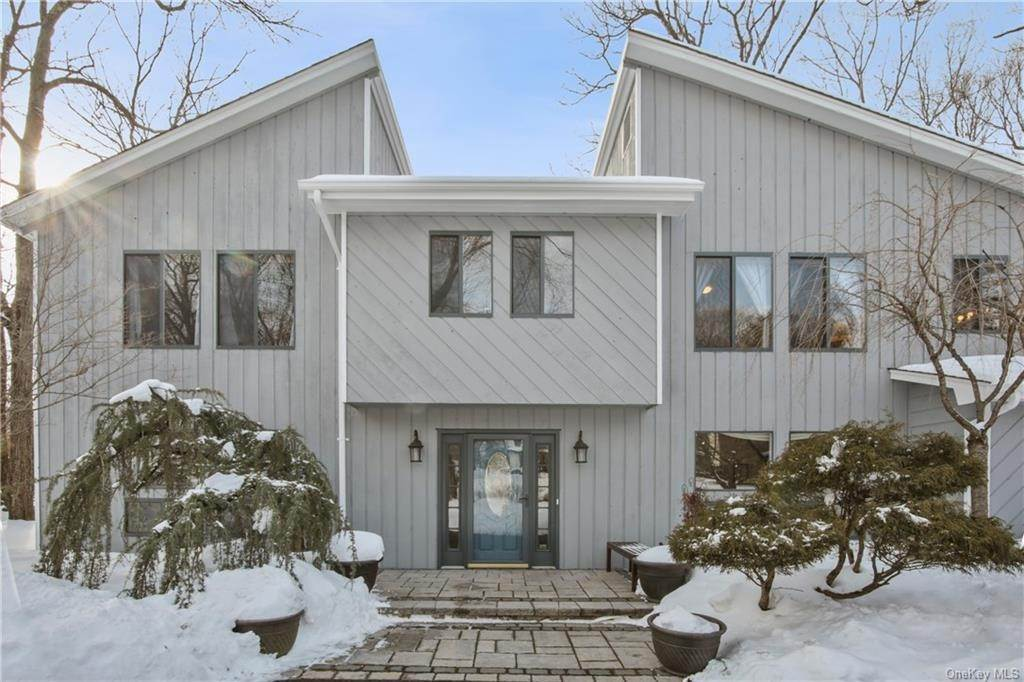 Residential for Sale at 43 Newport Drive, Clarkstown, NY 10954 Nanuet, New York 10954 United States