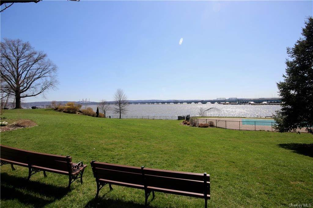 Residential for Sale at 4 Salisbury Point # 2B Nyack, New York 10960 United States