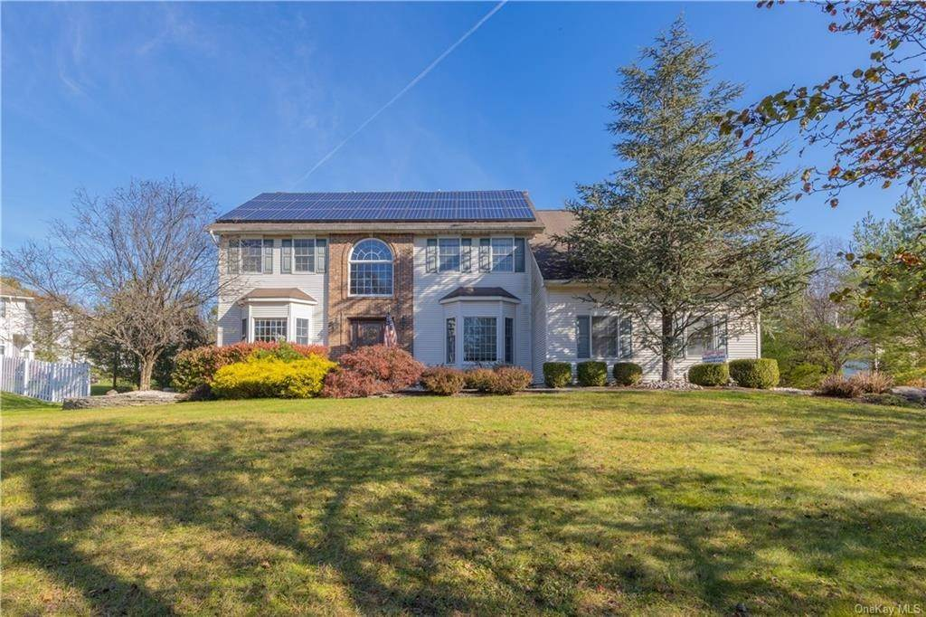 Residential for Sale at 4 Meriwether Trail, Clarkstown, NY 10920 Congers, New York 10920 United States
