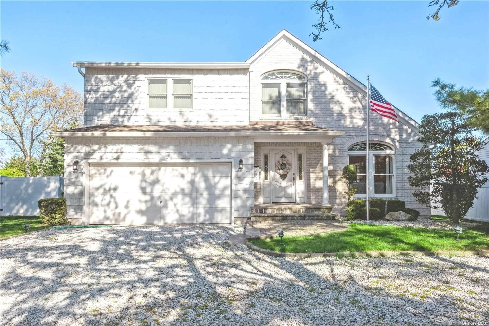 Residential for Sale at 863 Linstead Lane North Bellmore, New York 11710 United States