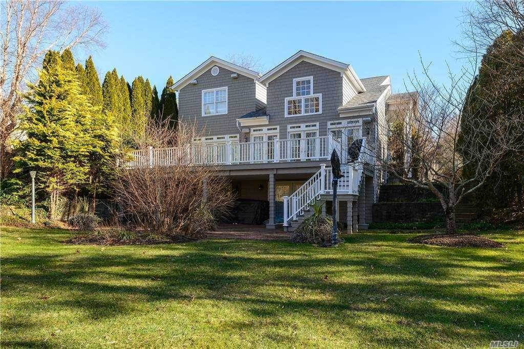 Residential for Sale at 3 Fieldstone Lane Oyster Bay, New York 11771 United States