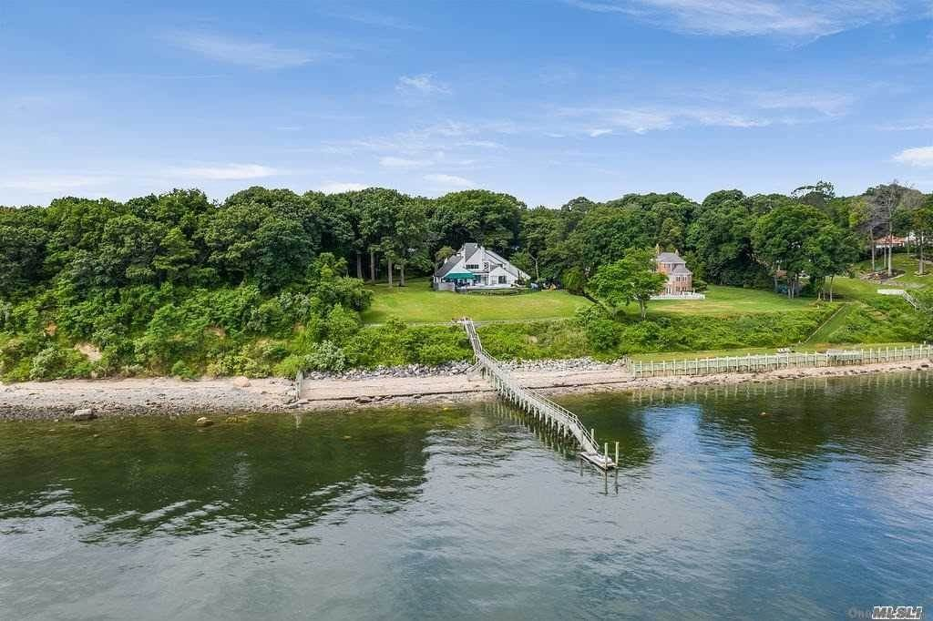 Residential for Sale at 31 Sea Crest Drive, Lloyd Neck, NY 11743 Lloyd Neck, New York 11743 United States