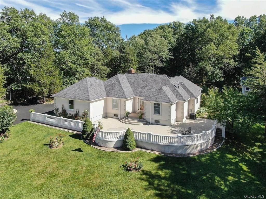 Residential for Sale at 10 Amy Lane New Windsor, New York 12553 United States