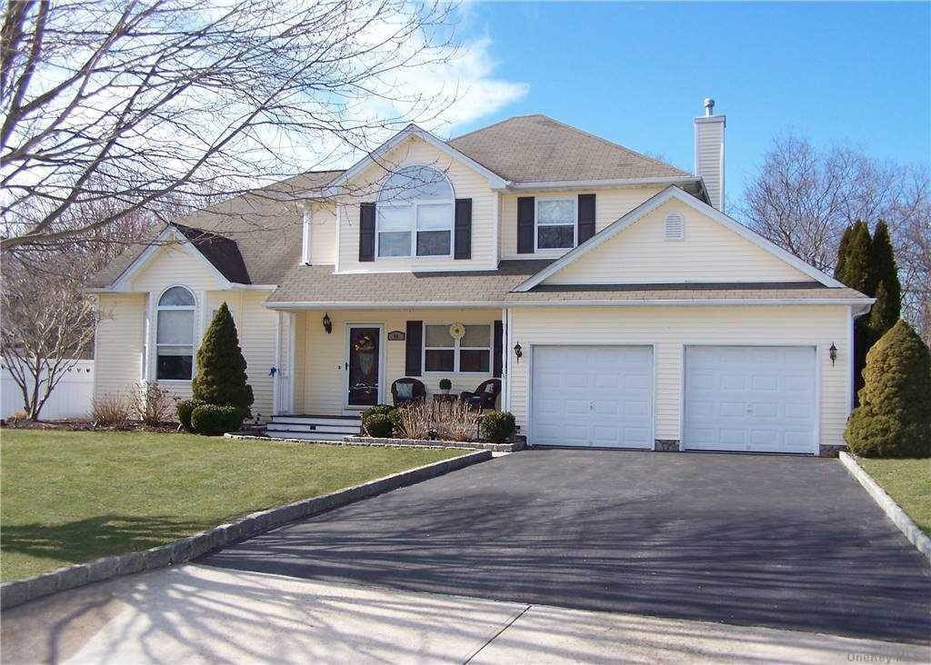 Residential for Sale at 40 Paige Lane Moriches, New York 11955 United States