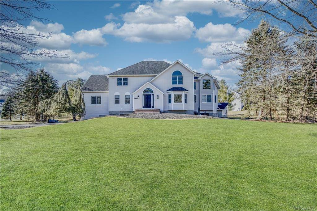 Residential for Sale at 1 Rosewood Lane Suffern, New York 10901 United States