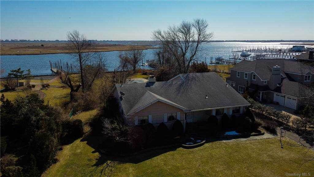 Residential for Sale at 210 Dolphin Drive, Hewlett Neck, NY 11598 Hewlett Neck, New York 11598 United States