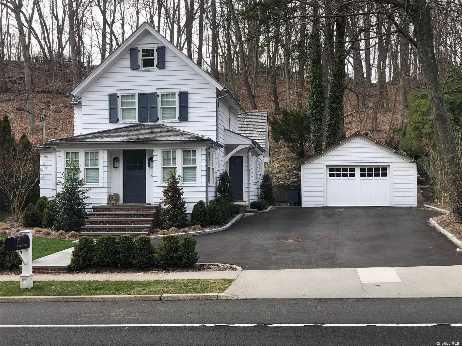 Residential Lease at 385 Main Street Cold Spring Harbor, New York 11724 United States