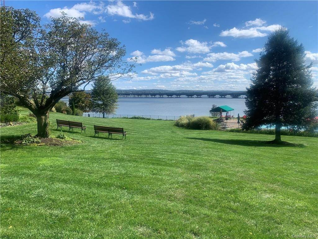Residential for Sale at 1 Salisbury Point # C, Orangetown, NY 10960 Nyack, New York 10960 United States