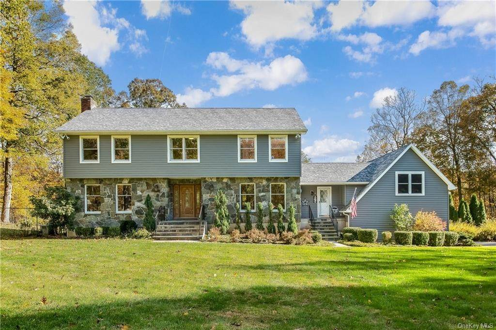 Residential for Sale at 20 Hilltop Road, Lewisboro, NY 10597 Waccabuc, New York 10597 United States