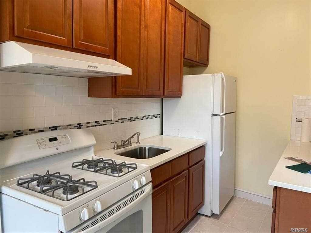 Residential Lease at 86-80 77 St # 2 FL, Woodhaven, NY 11421 Woodhaven, New York 11421 United States