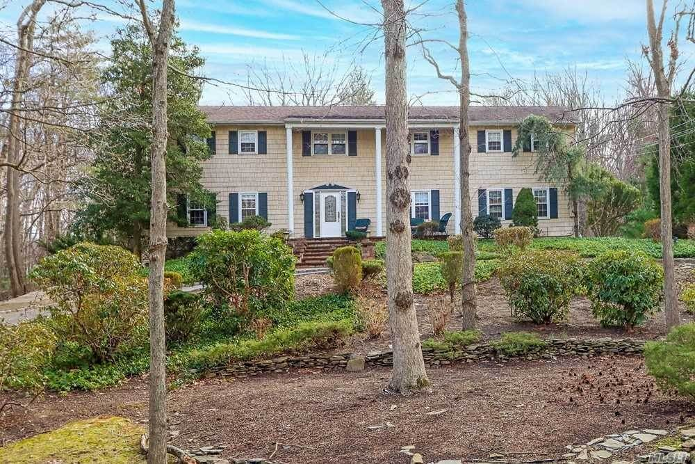 Residential for Sale at 45 Meadow Glen Road Fort Salonga, New York 11768 United States