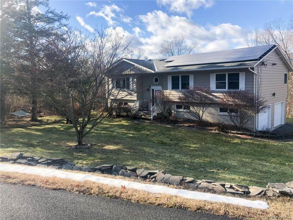 Residential for Sale at 8 Helens Court Saugerties, New York 12477 United States