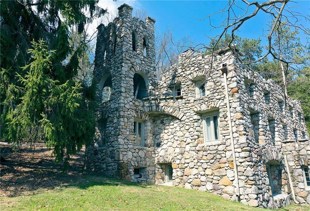 Residential for Sale at 623 Upper Mountain Road Pine Bush, New York 12566 United States