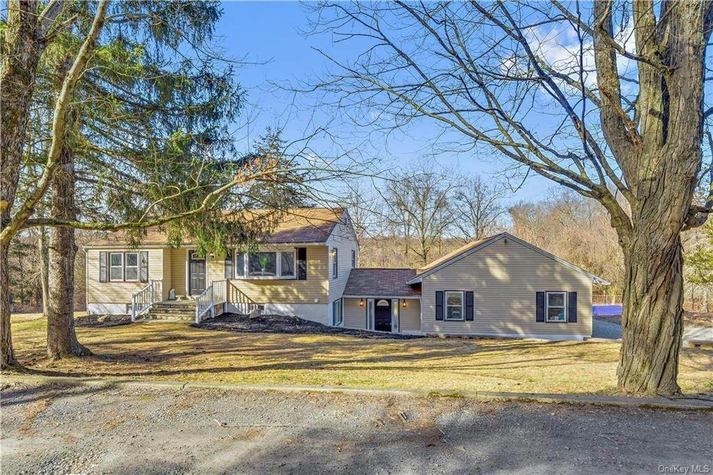 Residential for Sale at 4 Feitsma Lane, New Windsor, NY 12575 Rock Tavern, New York 12575 United States