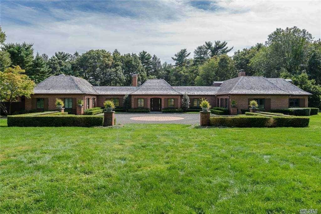 Residential for Sale at 150 Horseshoe Road Mill Neck, New York 11765 United States