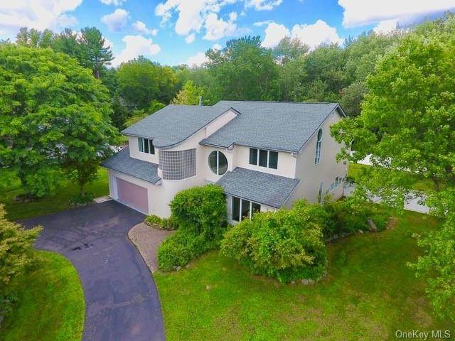 Residential for Sale at 164 Pine Tree Lane, Orangetown, NY 10983 Tappan, New York 10983 United States